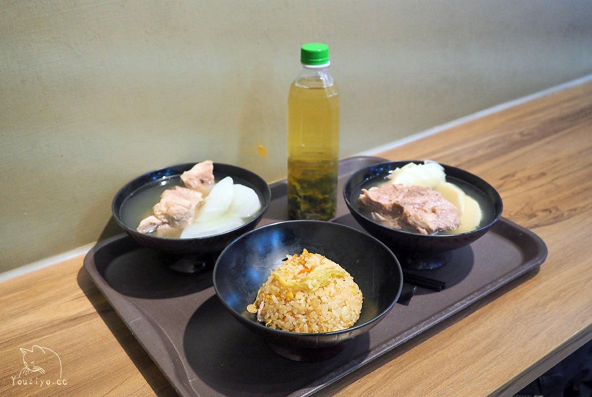 誠記原汁排骨湯 平價美味24小時不打烊 清甜原汁排骨湯與櫻花蝦高麗菜飯